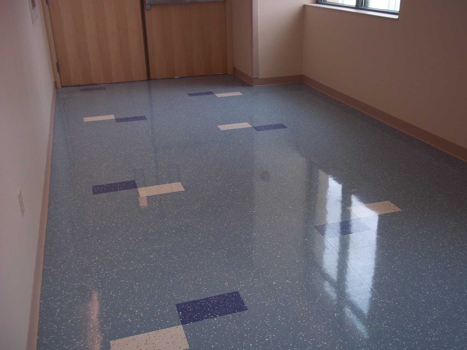 wax floor wax Lee asked: how do i remove wax off of a no wax floor i have a no wax floor in  the bathroom, and my husband mopped it with a wax now, it is dull instead of.